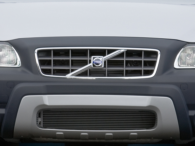 volvo_xc70_cross_country_2007_exterior_grille1
